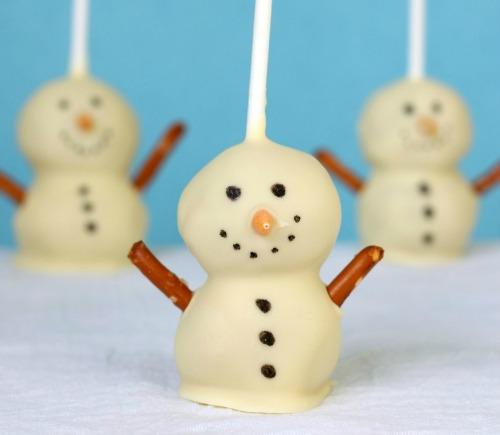 Snowmen-cake-pops-1-cropped-2